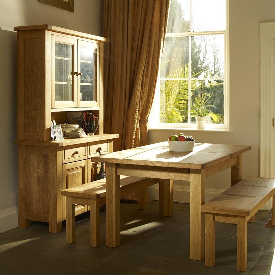 Bretagne-dining-roomshot-(@Residence)