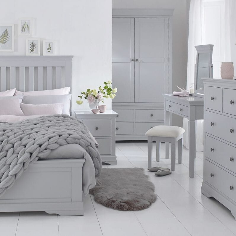 SW Bedroom grey
